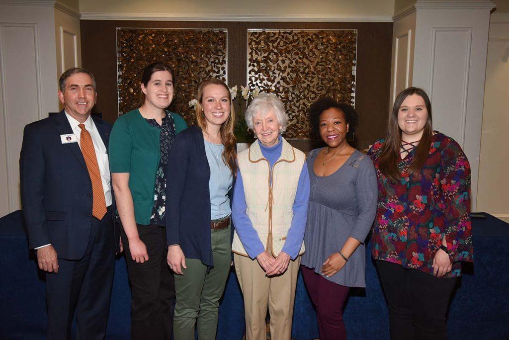 Dean Johnson with 5 Auburn CVM students